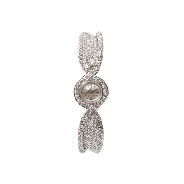 omega-18k-diamond-round-face-watch-silver