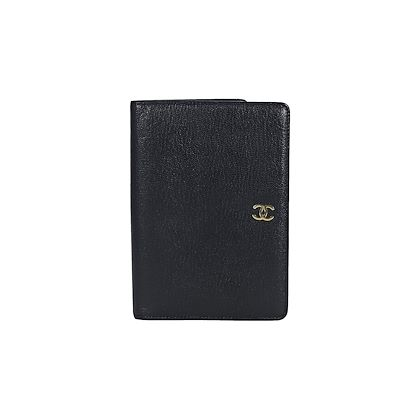 black-chanel-leather-bifold-wallet