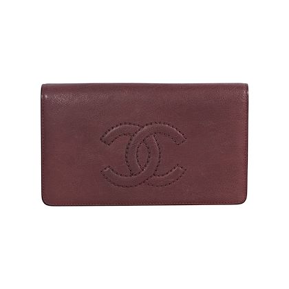 red-chanel-leather-bifold-wallet
