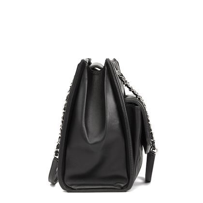 black-quilted-lambskin-classic-shoulder-tote