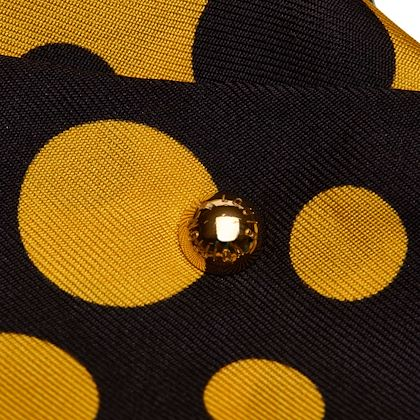 black-and-yellow-louis-vuitton-yayoi-kusama-printed-silk-scarf
