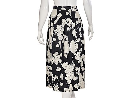 black-white-vintage-valentino-fruit-printed-linen-skirt
