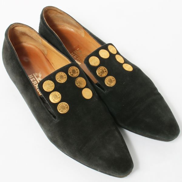hermes-suede-round-logo-plate-loafers-black