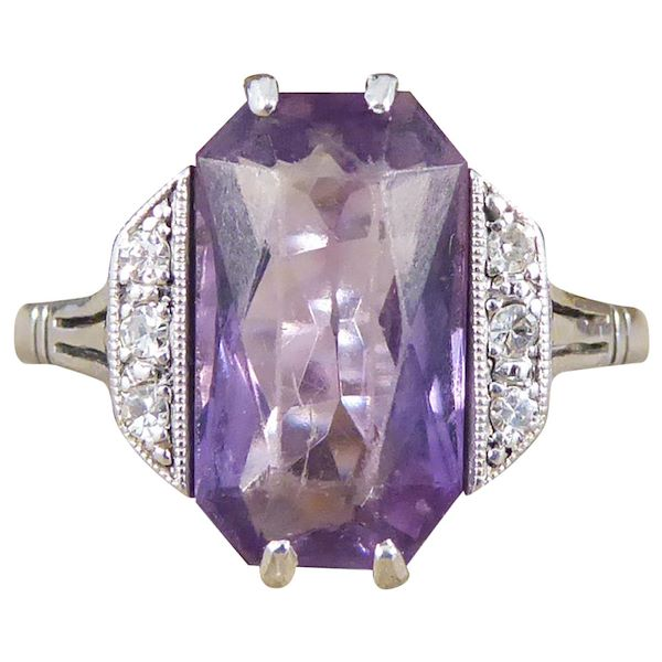 art-deco-amethyst-and-diamond-ring-in-18-carat-white-gold-and-platinum
