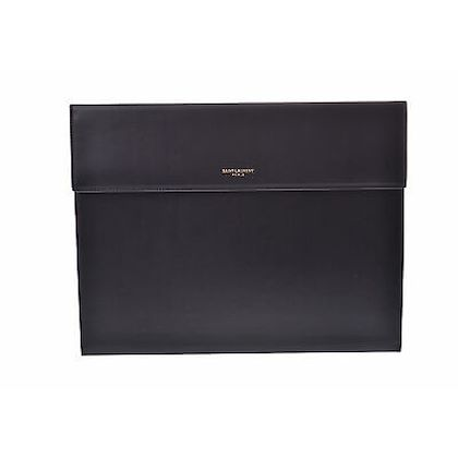 yves-saint-laurent-classique-leather-clutch-bag-2