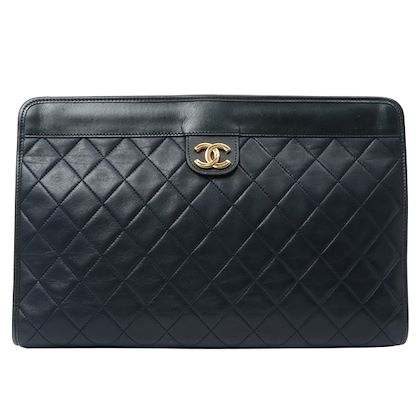 chanel-cc-mark-plate-clutch-bag-navy-2