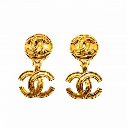 vintage-chanel-cc-logo-drop-earrings