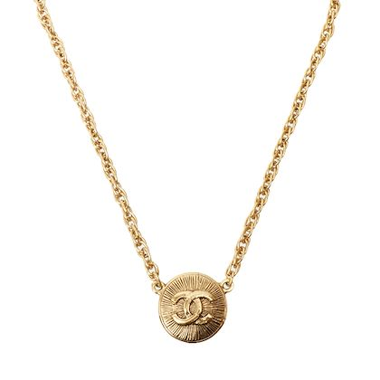 chanel-round-cc-mark-necklace-5