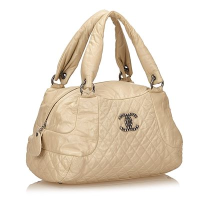 beige-chanel-leather-matelasse-shoulder-bag