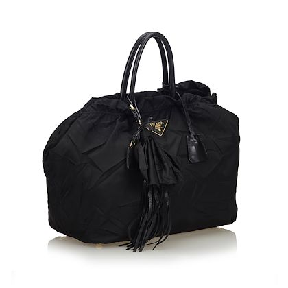 black-prada-nylon-tote-bag-2