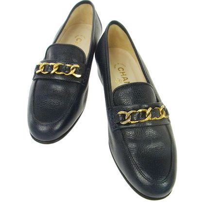 chanel-cc-logos-chain-motif-loafer-caviar-navy