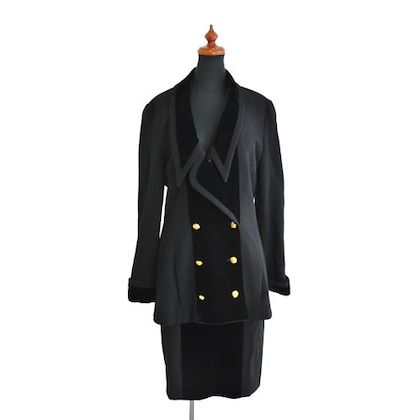 chanel-cc-button-setup-jacket-skirt-suits-wool-rayon-black-40