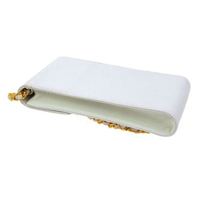 chanel-cc-chain-shoulder-pochette-phone-case-white