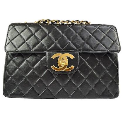 chanel-quilted-cc-jumbo-double-chain-shoulder-bag-black-8