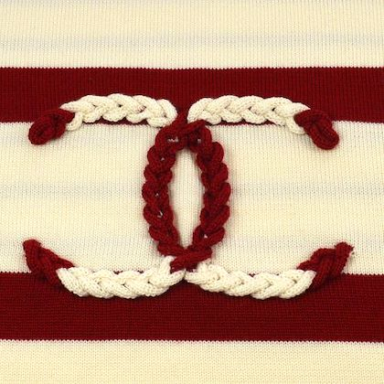 chanel-cc-muffler-stole-white-red
