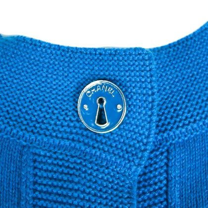 chanel-keyhole-button-100-cashmere-cardigan-blue-sweater-cc-us-10-42-07a-pre-owned-used