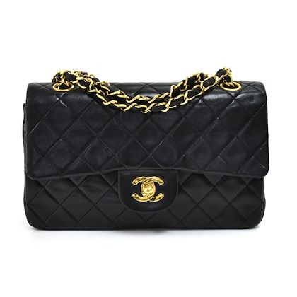 vintage-chanel-classic-9-double-flap-black-quilted-lambskin-leather-shoulder-bag-2