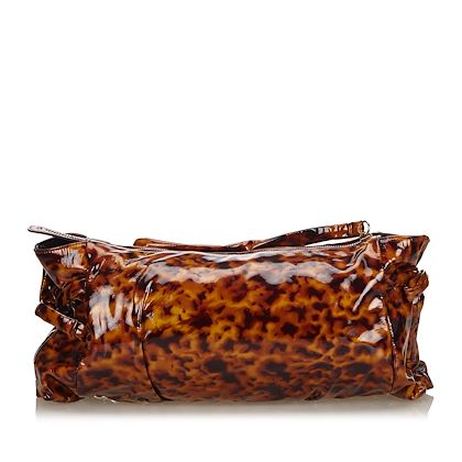brown-gucci-printed-patent-leather-hysteria-clutch