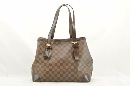 louis-vuitton-hampstead-shoulder-bag