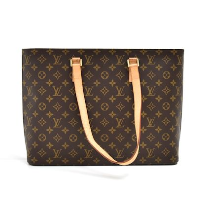 louis-vuitton-luco-monogram-cavas-large-tote-shoulder-bag-7