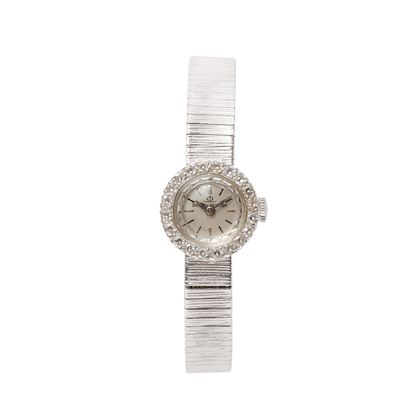 baume-mercier-14k-diamond-bezel-watch-silver-2