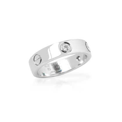 18k-white-gold-3-diamond-love-ring