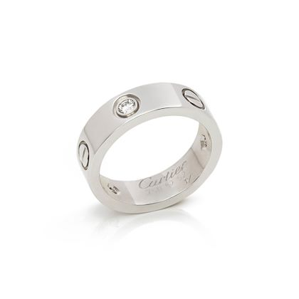 18k-white-gold-3-diamond-love-ring-2