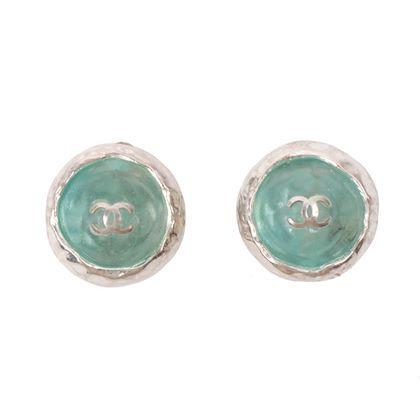 chanel-round-gripoix-cc-mark-earrings-silverlight-blue