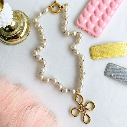 chanel-pearl-cc-mark-necklace-2