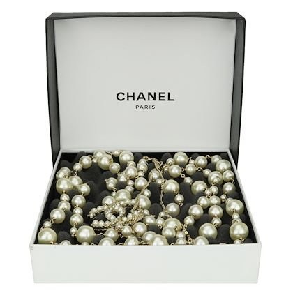 chanel-pearl-gold-long-necklace-2011