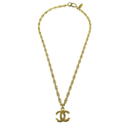 chanel-cc-logos-necklace-gold-4