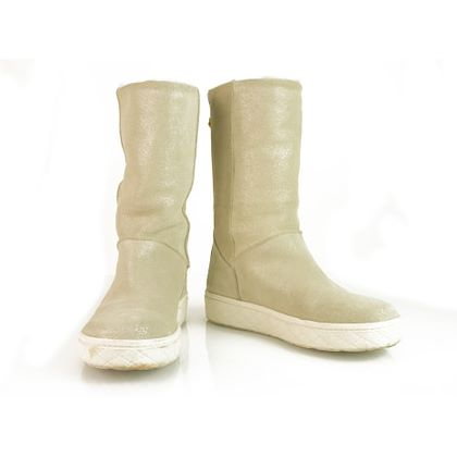 moncler-golden-snow-boots