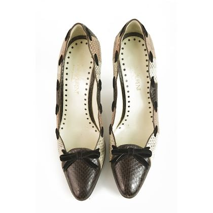 yves-saint-laurent-brown-pumps-heels