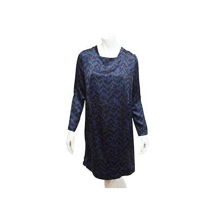 navy-blue-black-chloe-printed-silk-shift-dress