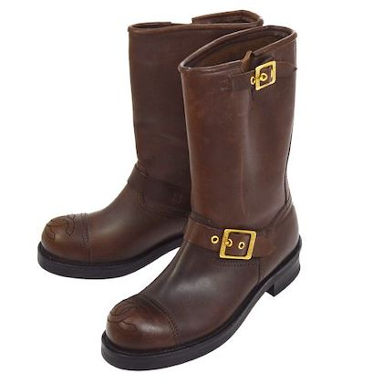chanel-cc-logos-medium-boots-brown-leather