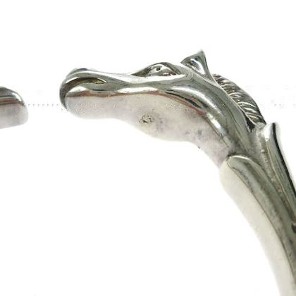 hermes-cheval-horse-motif-bangle-silver