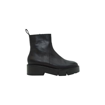 black-robert-clergerie-leather-ankle-boots