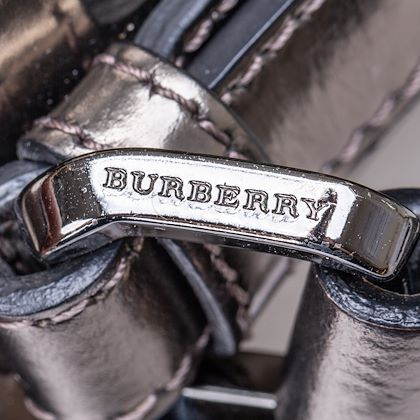 burberry-beat-check-lowry-canvas-tote-bag-2
