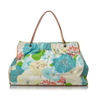 burberry-floral-printed-canvas-tote-bag