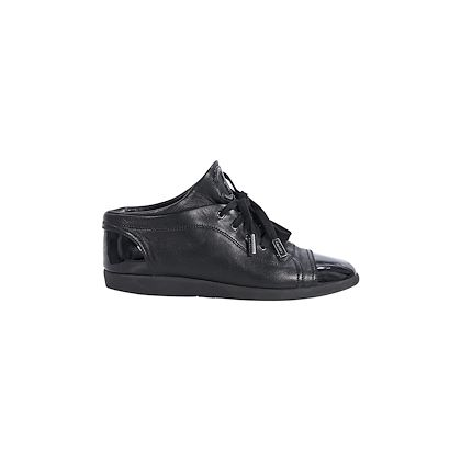 black-chanel-cap-toe-leather-sneakers