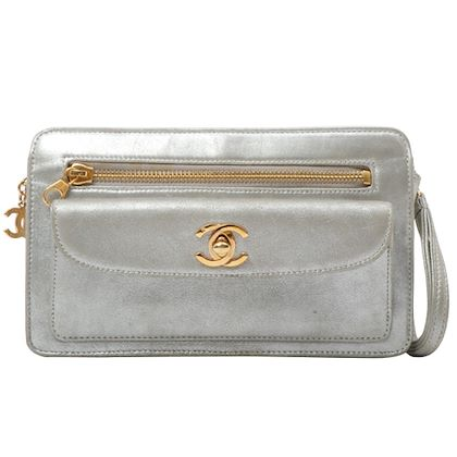 chanel-cc-mark-turn-lock-plate-clutch-bag-silver-3