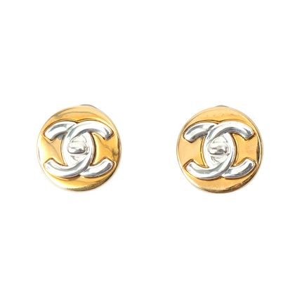 chanel-round-turn-lock-earrings-silver-2