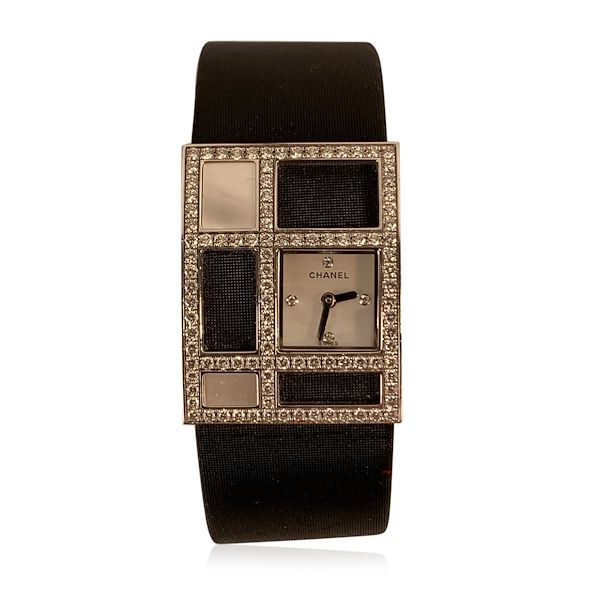 chanel-white-gold-diamond-mother-of-pearl-1932-art-deco-wrist-watch