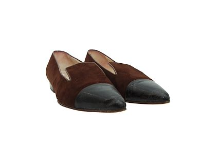 brown-black-chanel-suede-flats