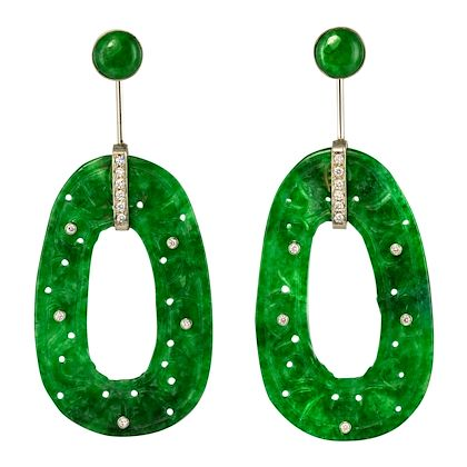 baume-jade-diamonds-18-karat-white-gold-dangle-earrings