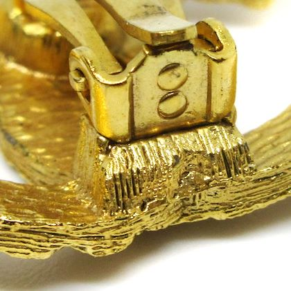 chanel-cc-logos-quilted-earrings-gold-5