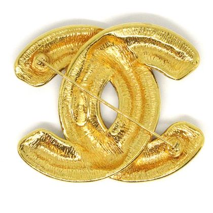 chanel-cc-logos-quilted-brooch-pin-corsage-gold
