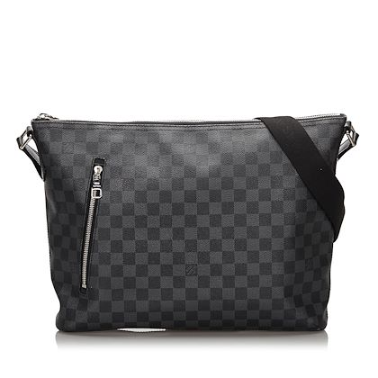 black-louis-vuitton-damier-graphite-mick-mm-crossbody-bag