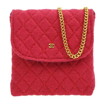 chanel-quilted-chain-mini-shoulder-pochette-red-stain