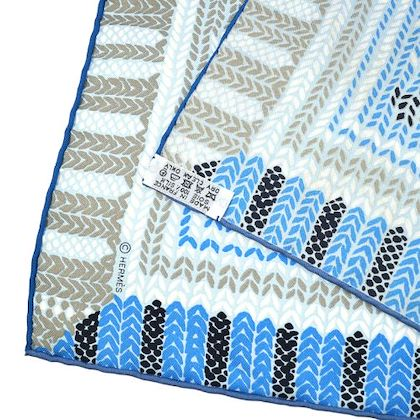 hermes-carre-au-coin-du-feu-scarf-stole-light-blue